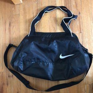 Nike gym duffle bag / weekender